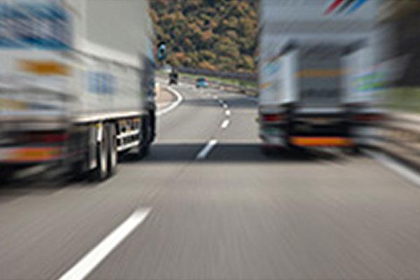 トラック・作業風景写真